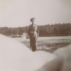 Tsarevich Alexei Nikolaevich no River Dnepr em 1916.