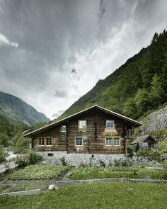 Oliver Christen - Renovation of a house from Sagerberg Photos © Valentin Jeck. Felder, Christening, Interior And Exterior, The Good Place, Cabin, Landscape, House Styles, Places, 2017 Photos