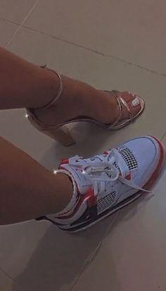 Aesthetic Shoes, Bad Girl Aesthetic, Jordan Shoes Girls, Girls Shoes, Girl Photo Poses, Girl Photos, Cute Emo Girls, Thick Body, Look Girl