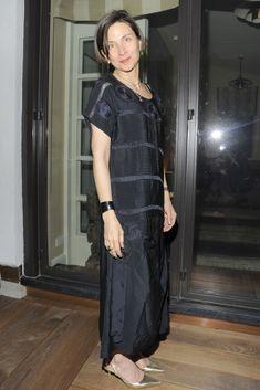 Donna Tartt's Menswear-Inspired Style: A Primer Donna Tartt, Tribeca Film Festival, Signature Style, Vanity Fair, Well Dressed, Her Style, Catwalk, Nice Dresses, Cold Shoulder Dress