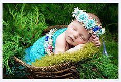 zuzig - Flowers in the hair. Folklore, Crown, Flowers, Hair, Corona, Royal Icing Flowers, Crowns, Flower, Florals