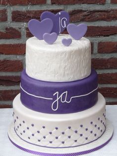 a very beautiful wedding cake