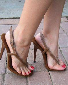 women feet in thong sandals high heels heel straps Open Toe High Heels, Sexy High Heels, High Heels Stilettos, Strappy Heels, Stiletto Heels, Sexy Sandals, Hot Heels, Gorgeous Feet, Sexy Toes