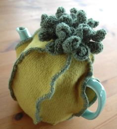 ✄ A Fondness for Felt ✄  DIY craft inspiration:  Felted tea cozy.