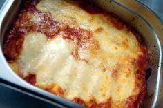 Cannelloni tradizionali - gefüllte Pasta mit Hackfleisch und Bechamel