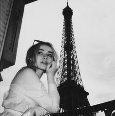 Sabrina Carpenter at the Eiffel Tower Pretty People, Beautiful People, Girl Meets World, How To Pose, Celebs, Celebrities, Woman Crush, Lany, Poses