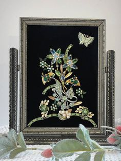 Framed Jewelry Art Floral Arrangement Green Floral Picture Up cycled Jewelry Brooch Picture Garden Art by VintageRedo Jewelry Frames, Jewelry Tree, Jewelry Box, Jewelry Pouches, Pandora Jewelry, Jewelry Ideas, Diy Jewelry, Gold Jewelry, Jewlery