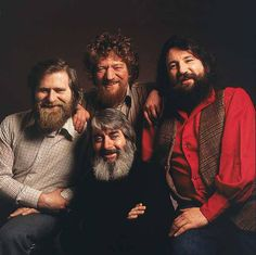 The Dubliners. One of the forerunners to revolutionizing traditional Irish folk music in Ireland in the a new favorite of mine. Folk Music, My Music, Whiskey In The Jar, Irish Rovers, The Pogues, Irish Singers, Celtic Music, Lp Cover, Let's Have Fun