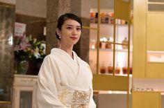 Beautiful Japanese Girl, Japanese Beauty, Asian Beauty, Japanese Costume, Japanese Kimono, Japanese Outfits, Japanese Fashion, Japan Woman, Kimono Dress
