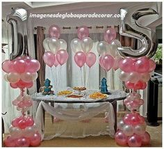 Screen in decoration: 60 ideas to help you choose - Home Fashion Trend Balloon Tower, Balloon Display, Love Balloon, Balloon Columns, Balloon Arch, Balloon Decorations, Number Balloons, Foil Balloons, Birthday Delivery