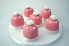 Pretty mini wedding cakes
