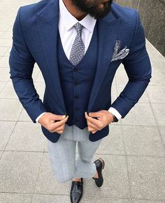 Look At These Men's Jackets. Discover some very nice men's fashion. With so much style for men to choose from in the world today, it can be a daunting encounter. Gentleman Mode, Gentleman Style, Mens Fashion Suits, Mens Suits, Stylish Jackets, Casual Jackets, Men's Jackets, Dapper Men, Wedding Suits
