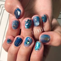 ▫️⚪️▫️◻️ #nail#art#nailart#ネイル#ネイルアート#blue#ミラーネイル#nuance#sapphire#ショートネイル#ネイルサロン#nailsalon#表参道#Blue111#nuance111 (111nail)