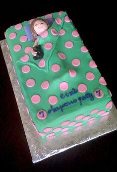 Sleepover cake.   #petiteplume #kidspajama #pajamaparty http://www.petite-plume.com/