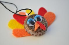 Thanksgiving is a great holiday! So let's prepare for it and make some cute and funny crafts for kids! You will need bottle cap, spray paint (or spray Bottle Cap Jewelry, Bottle Cap Necklace, Kids Necklace, Bottle Caps, Thanksgiving Stuffing, Thanksgiving Crafts, Holiday Crafts, Funny Crafts For Kids, Crafts For Teens