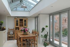 Hehku Orangery with hardwood roof lantern Bungalow Extensions, Garden Room Extensions, House Extensions, Kitchen Extensions, Style At Home, Orangerie Extension, Kitchen Orangery, Orangery Roof, Kitchen Diner Extension