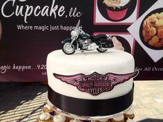 harley davidson cakes for women Pretty Cakes, Beautiful Cakes, Amazing Cakes, Harley Davison, Torta Harley Davidson, Men Birthday, Birthday Cake, Cakes For Women, Schneider