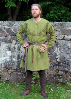 Viking tunic idea. Would work well for an archer costume as well.