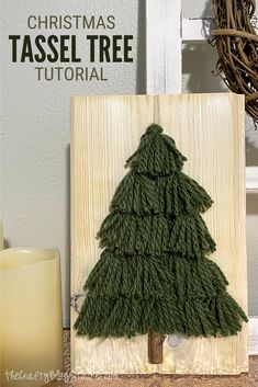 Christmas Yarn, Christmas Tree Art, Christmas Tree Inspiration, Christmas Love, Christmas Gifts, Easy Yarn Crafts, Christmas Projects, Holiday Crafts, Diy Yarn Decor