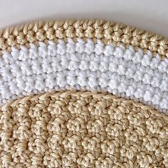 Round_rug_closeup_top_800x_small2