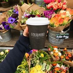 Love coffee and flowers! It's an addiction!😁