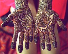 Mehndi Maharani 2013 Finalist: Henna Craze http://maharaniweddings.com/gallery/photo/13908