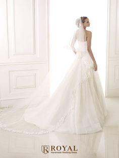 板橋蘿亞手工婚紗 Royal handmade wedding dress 婚紗攝影 購買婚紗 單租婚紗 西班牙 Pronovias BATEL