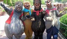 Disneyland Music - The Country Bears - The Great Outdoors Walt Disney Co, Disney Magic, Disney Parks, Disney Pixar, Disney Rides, Disneyland Paris, Disneyland Vintage, Disney Cast, Old Disney