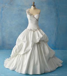 Disney Fairy Tale Wedding Tiana Dress from Alfred Angelo Bridal. Saved to Pretty Wedding Things. Disney Wedding Gowns, Princess Wedding Dresses, Wedding Dress Styles, Gown Wedding, Disney Weddings, Princess Gowns, Cinderella Wedding, Princess Bridal, Fairytale Weddings