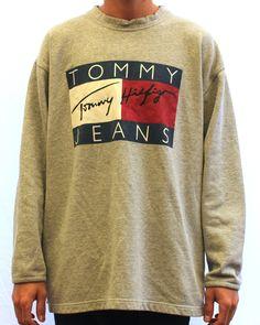 Vintage Tommy Hilfiger Sweatshirt Medium