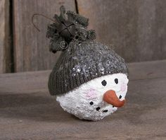 Primitive Snowball Face Ornie | Tattered Sisters Primitives