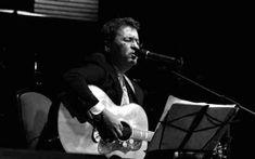"""Florin Chilian : Florin Chilian: Au vrut sa ma declare nebun """"Ca doar esti poet"""", ii zic. """"Nu. Nu sint poet, sint un bun povestitor. Eu doar imi povestesc viata"""".  11 Ianuarie 2007, de Florina Tecuceanu"""