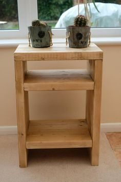 Rustic scaffolding wood bedside table by TheCraftyDutch on Etsy Rustic Nightstand, Wooden Bedside Table, Rustic Furniture, Bedside Table Ideas Diy, Small Bedside Tables, Simple Furniture, Repurposed Furniture, Modern Furniture, Diy Furniture Projects