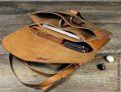 Клатч. Натуральная кожа. Ручная работа.арт. CL 002 – купить в интернет-магазине на Ярмарке Мастеров с доставкой - 9J3NZRU | Тольятти Small Leather Wallet, Leather Gifts, Leather Craft, Leather Men, Leather Purses, Craft Bags, Leather Notebook, Leather Pattern, Slim Wallet
