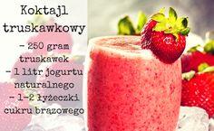 Koktajl truskawkowy jest nie tylko przepyszny, ale także bardzo zdrowy. Wystarczy nam 10 minut na jego przygotowanie. Co jeszcze można dodać do koktajlu, by był jedyny w swoim rodzaju? Smoothies, Watermelon, Fruit, Smoothie, Smoothie Packs, Fruit Shakes