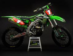 Monster-Energy-Kawasaki-Ryan-Villopoto-Camo-Graphics-PC-Simon-Cudby-.jpg (1243×960)