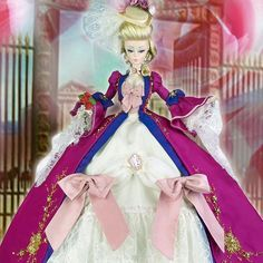 Magic Maria Antoinette part of #manga #collection #ooak #doll inspired to one of our favorite #japanese  #cartoon #ladyoscar #anime at #magia2000 #embroidery #silkstone #reroot #repaint #painting #art #artist #love @barbiestyle @barbie