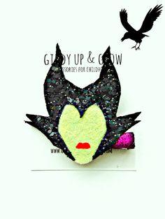 Maleficent Hair Clip Glitter Hair Clip Disney by giddyupandgrow Felt Crafts, Fabric Crafts, Diy Crafts, Disney Hair, Felt Headband, Felt Hair Clips, Felt Bows, Hair Ribbons, Baby Hair Bows