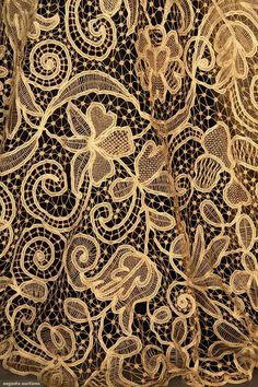 Skirt (image 5) | 1910 | tape lace | Augusta Auctions | April 9, 2014/Lot 228