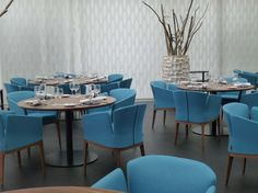 Restaurant Tropenhaus with Lotus chairs from #Montis  So my style.