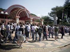 """A Escola Salesiana São José, em Campinas, recebe no próximo dia 26 de abril, a partir das 11h, aUniexpo Campinas 2014 - VII Exposição Teenager de Universidades e Profissões.  Com entrada Catraca Livre, o evento oferece aos alunos do Ensino Médio e vestibulandos informações  sobre o funcionamento dos cursos em diversas áreas: a...<br /><a class=""""more-link"""" href=""""https://catracalivre.com.br/sp/agenda/gratis/uniexpo-campinas-2014-tem-palestras-e-workshops-sobre-profissoes/"""">Continue lendo…"""