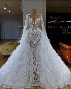 These beautiful gowns! Glam Dresses, Event Dresses, Pretty Dresses, Bridal Dresses, Fashion Dresses, Pageant Dresses, Dress Prom, Sexy Dresses, Party Dress