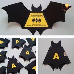Convite em formato de morcego do Batman. As crianças adoram!