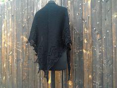 Black Shawl Handmade Knitted Dark Goth di AtelierBusas su Etsy