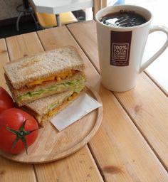 OK-in和風洋食館 OK-in Brunch House  OK-in 蔬果鮮活三明治搭配自家烘培美式咖啡 OK -in Vegetable Sandwich & Black Coffee.