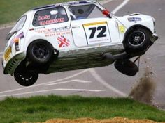 MINI ......QUI VOLE!!! Mini Cooper Classic, Classic Mini, 2007 Mini Cooper, Fox Sport, Cooper Car, Old Vintage Cars, Morris Minor, Racing Events, Smart Car