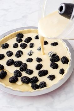 From-scratch crust creamy custard buttermilk filling and fresh blackberries baked together into a comforting dessert.platingpixels - Blackberries - Ideas of Blackberries Blackberry Dessert Recipes, Blackberry Pie Fillings, Easy Blackberry Pie, Lemon Custard Pie, Custard Cake, Tart Recipes, Sweets Recipes, Baking Recipes, Köstliche Desserts