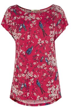 This pretty tee is the perfect wardrobe update in time for spring. #PrettyPerfect