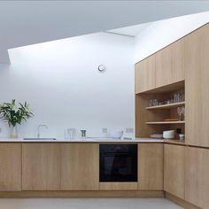 Architecture Courtyard, Interior Architecture, Garage House, Küchen Design, House Design, Design Styles, Small Garage, Minimal Home, Big Kitchen