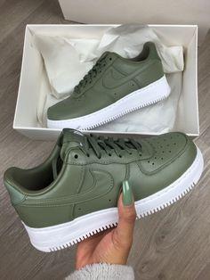 c6a37add5364 43 Best Sneakers images in 2019